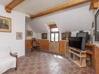 Hala s krbovými kamny - Prodej domu v osobním vlastnictví 253 m², Lovečkovice