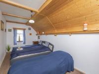 2. pokoj v patře - Prodej domu v osobním vlastnictví 253 m², Lovečkovice