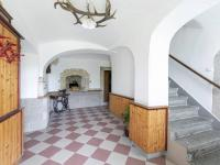 Vstupní chodba - Prodej domu v osobním vlastnictví 253 m², Lovečkovice