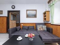 Jídelna  - Prodej domu v osobním vlastnictví 253 m², Lovečkovice
