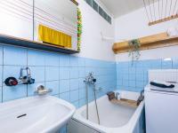 Koupelna - Prodej domu v osobním vlastnictví 83 m², Luby