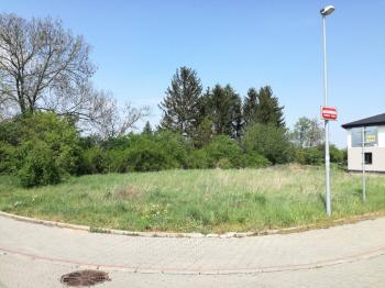 Prodej pozemku 832 m², Praha 10 - Pitkovice