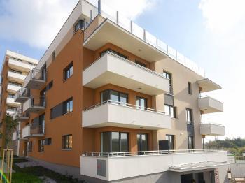 Pohled na dům - Prodej bytu 2+kk v osobním vlastnictví 63 m², Praha 4 - Kamýk