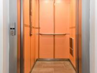 Výtah (s ochranným oblepením) - Prodej bytu 2+kk v osobním vlastnictví 63 m², Praha 4 - Kamýk
