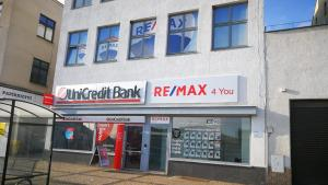 RE/MAX 4 you III