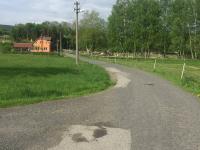 přístupová komunikace k domu - Prodej domu v osobním vlastnictví 200 m², Liberec