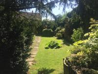 zahrada  (Prodej domu v osobním vlastnictví 900 m², Benátky nad Jizerou)