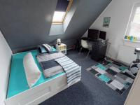 sam.pokoj v patře - Prodej domu v osobním vlastnictví 120 m², Benátky nad Jizerou