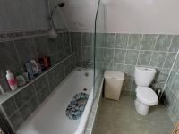 koupelna v patře - Prodej domu v osobním vlastnictví 120 m², Benátky nad Jizerou