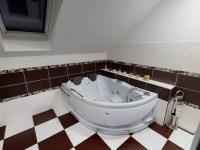 koupelna v patře - Prodej domu v osobním vlastnictví 117 m², Brandýs nad Labem-Stará Boleslav