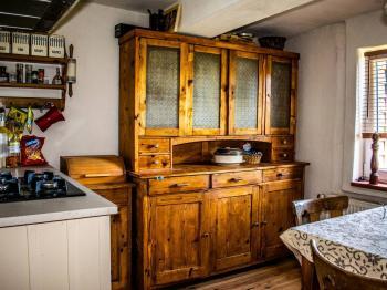 kuchyň pohled II. - Prodej domu v osobním vlastnictví 179 m², Tři Sekery