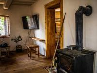 kamna na tuhá paliva - Prodej domu v osobním vlastnictví 179 m², Tři Sekery