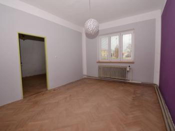 Prodej domu v osobním vlastnictví, 290 m2, Kostelec