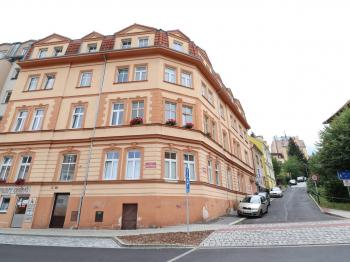 Prodej bytu 2+1 v osobním vlastnictví, 104 m2, Karlovy Vary