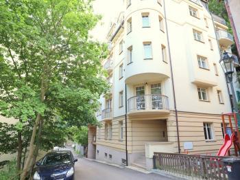 Prodej bytu 1+kk v osobním vlastnictví 46 m², Karlovy Vary