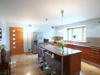 Prodej domu v osobním vlastnictví 1010 m², Hroznětín