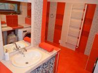 Koupelna - Prodej domu v osobním vlastnictví 160 m², Dub nad Moravou
