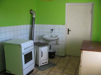 kuchyň - Prodej domu v osobním vlastnictví 80 m², Chrudim
